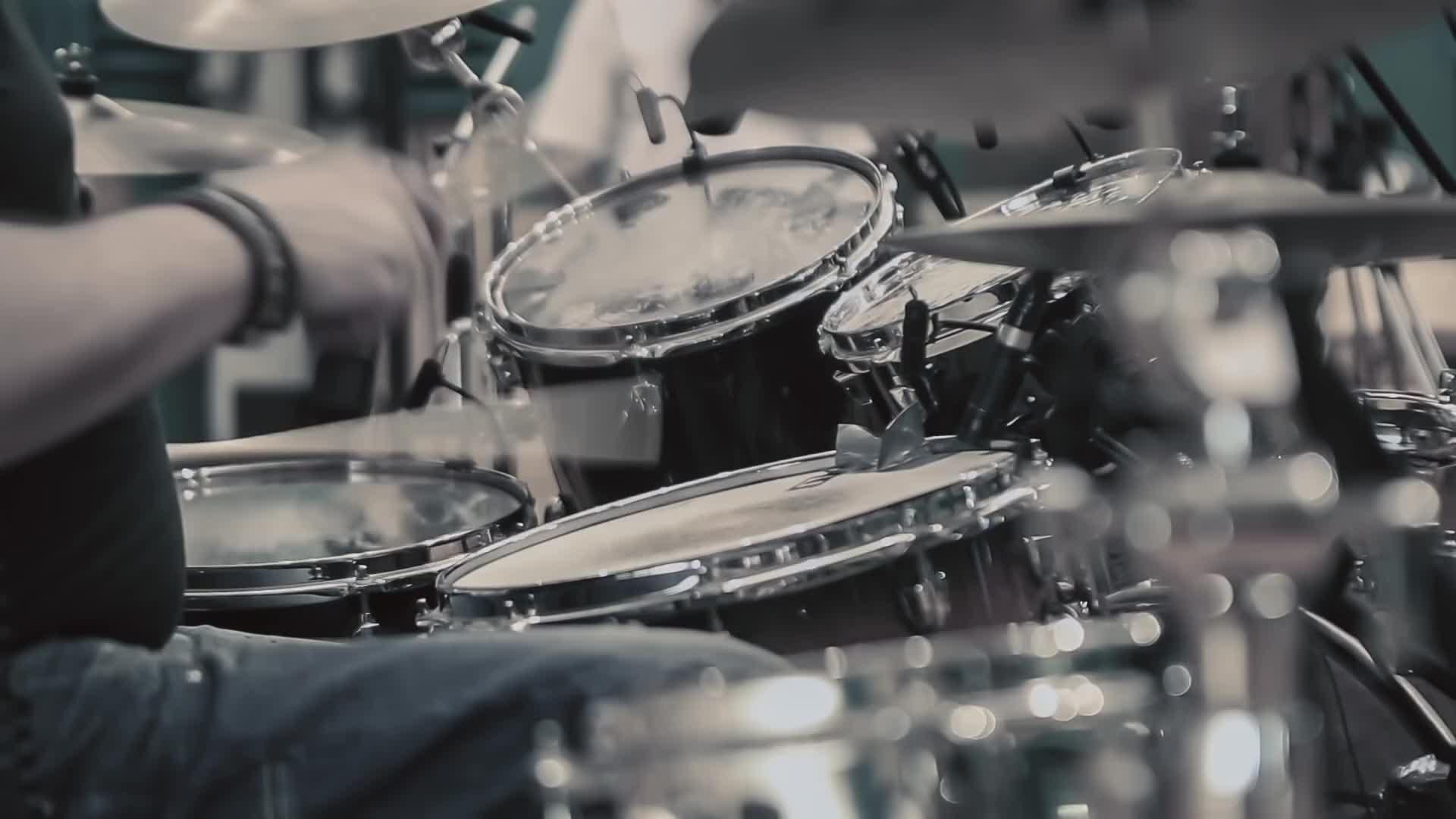 鼓组乐器表演-Alfredo Golino(2015)