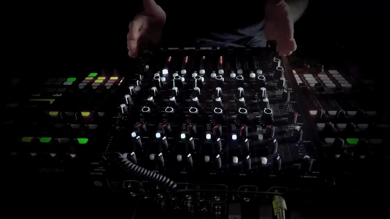 Chris Liebing- A Hybrid Setup